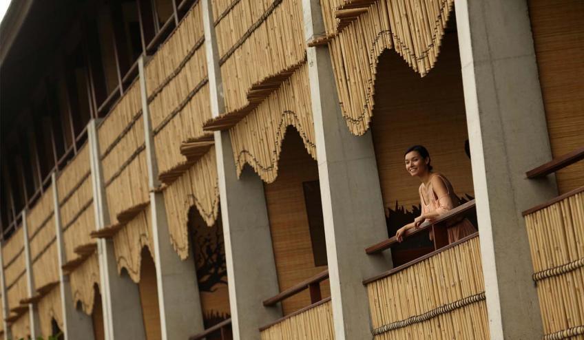 balcony 57a9496ad7274