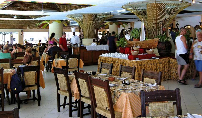 bamburi beach kenia mombasa polnocna 2878 69145 73533 1920x730