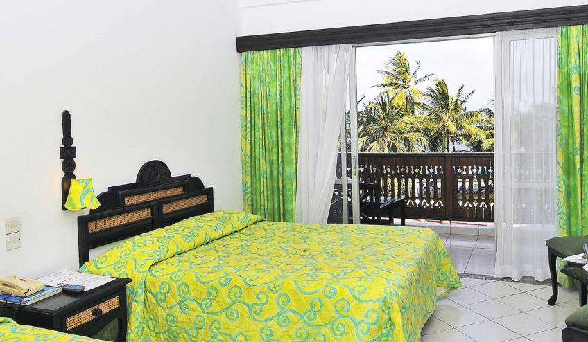 bamburi beach kenia mombasa polnocna 2878 69151 73545 1920x730