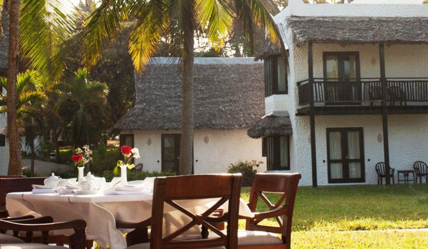 jacaranda indian ocean beach resort kenia diani beach 175 57161 48235 1920x730