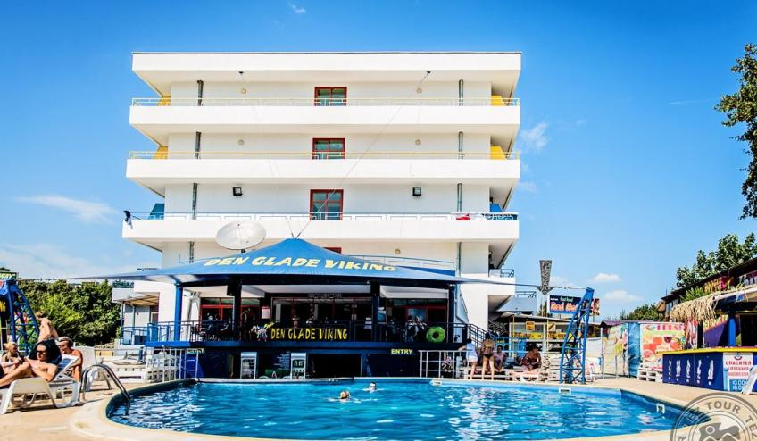 Hotel side 4866