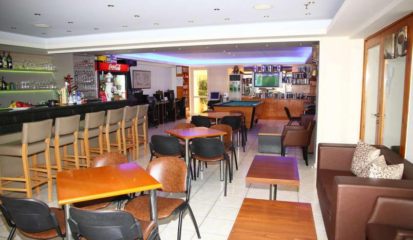 GRHACROPOL CHER bar area 8378