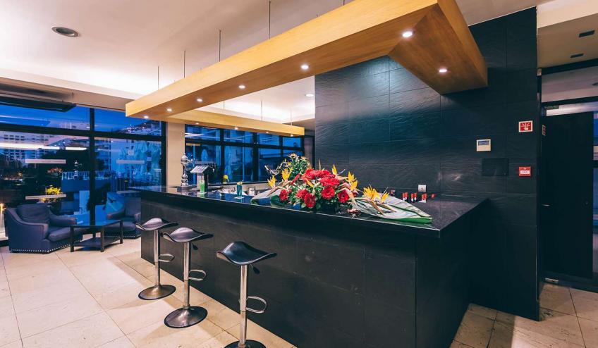 PTMRAGA FNC1 Muthu Raga Madeira Hotel Bar375