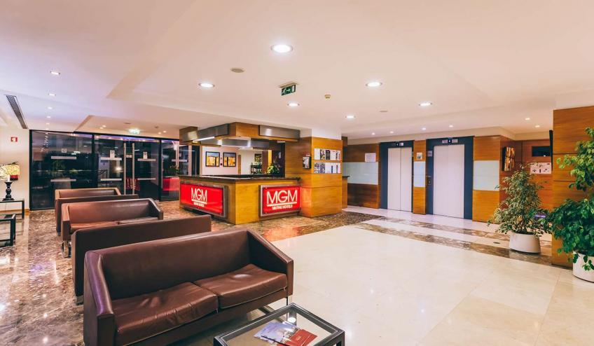 PTMRAGA FNC1 Muthu Raga Madeira Hotel Reception316