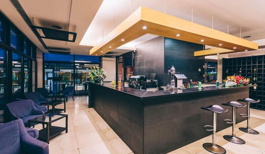 PTMRAGA FNC1 Muthu Raga Madeira Hotel Bar372