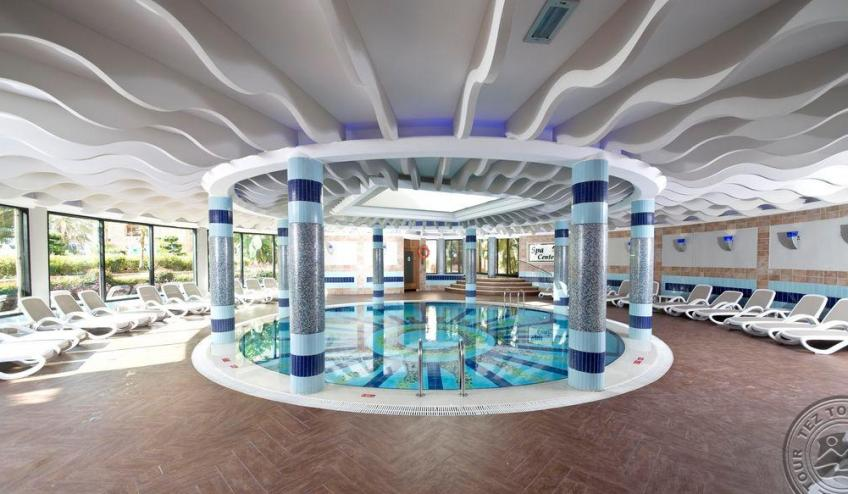 Indoor Pool 5679