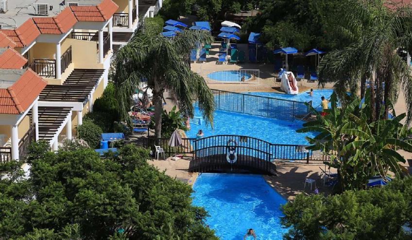 GRLJACARAN PROT acaranda Hotel   Swimming Pool
