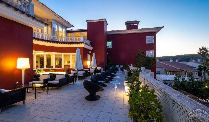 Z   Jardin de Menorca   bar noche 8121