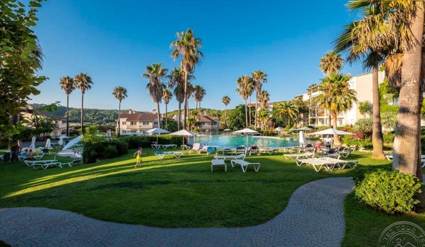 F   Jardin de Menorca   piscina 3 7373