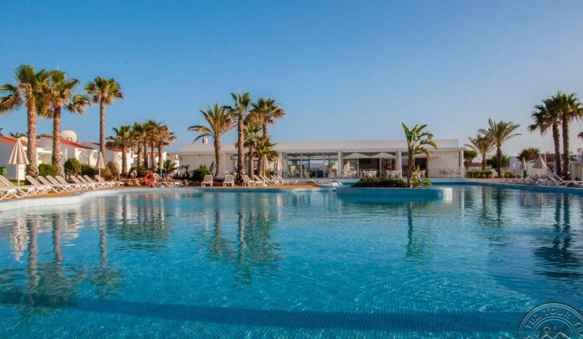 D   Menorcamar   piscina 3 6176