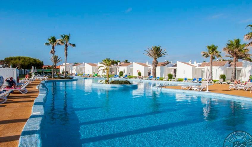C   Menorcamar   piscina 2 3810