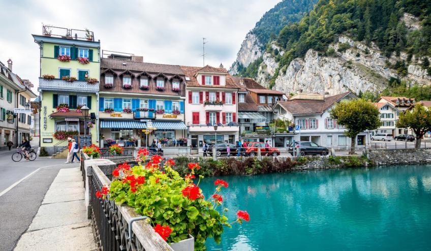 Interlaken switzerland 40681214 1000 639