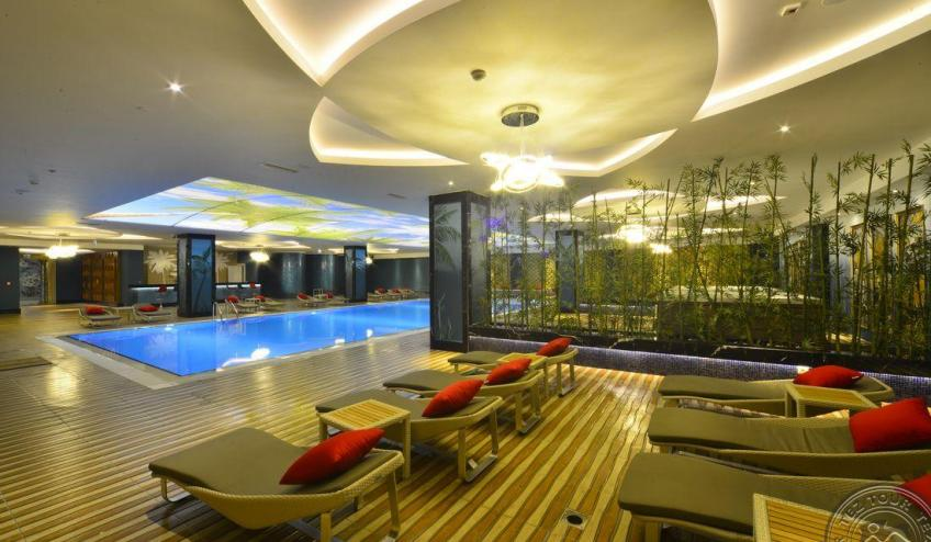 INDOOR POOL2 3081