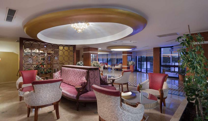 TRAGRALUX OKUD lobby area 44757661651 o