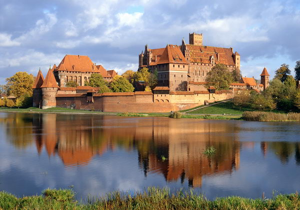 Panorama zamku od strony Nogatu fot. Lech Okoński 70x100