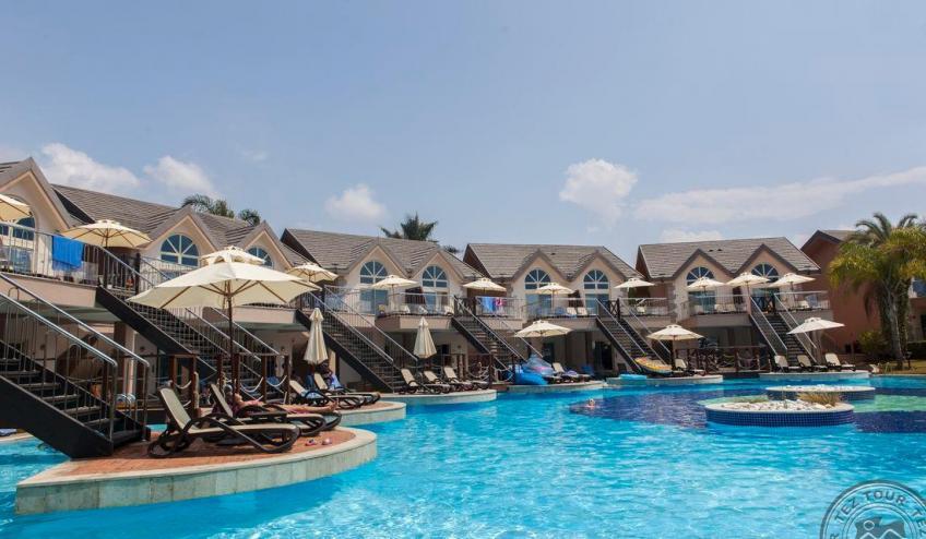 Villa Pool 7699