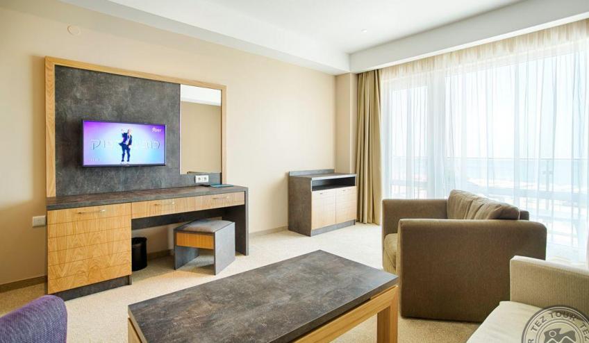 ApartmentLivingRoom1 4990
