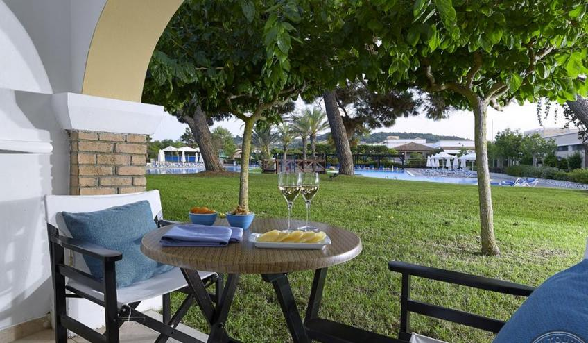 for website Bungalow Garden View CF061623Serfas 8985