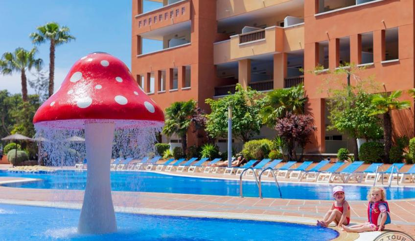 26  Childrens swimming pool 1470