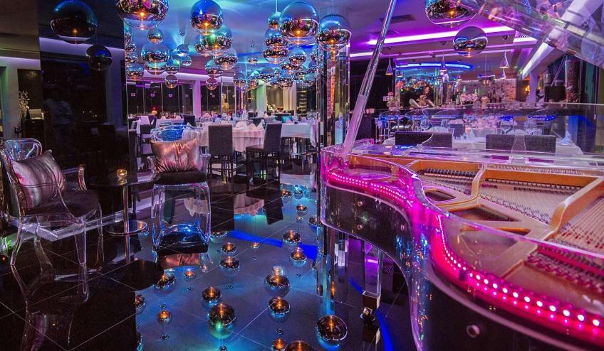 GRLADAMSBE AYIA 18 Glasshouse Lounge Restaurant