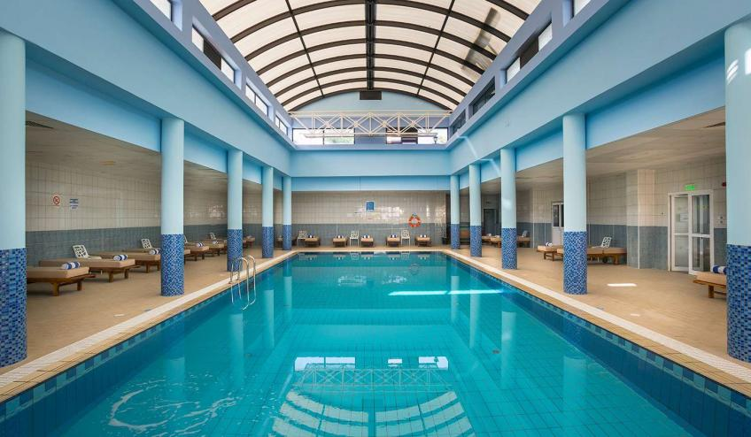 GRLCONSTGB PROT INDOOR POOL
