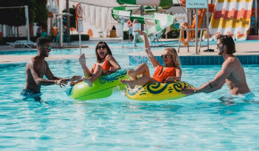 f 2. Aqua Pool Friends f 1