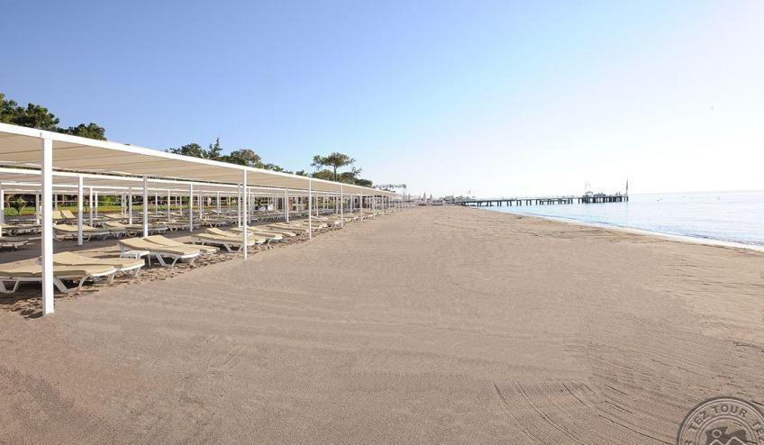 BEACH   1 2438