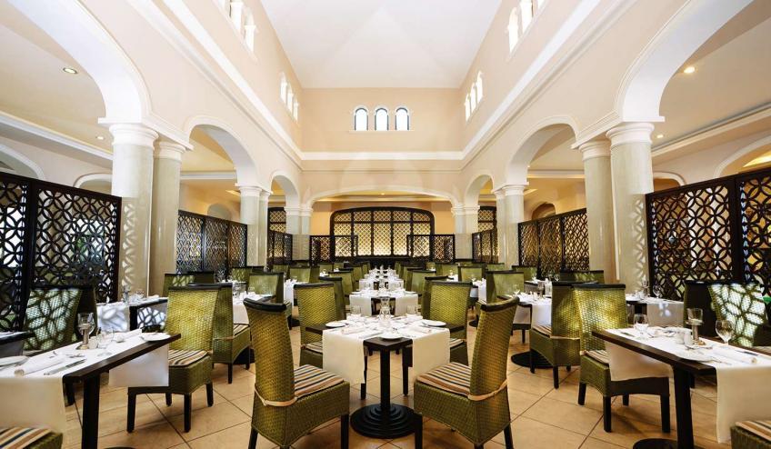 EGHJAZAQUA HRGR Main restaurant