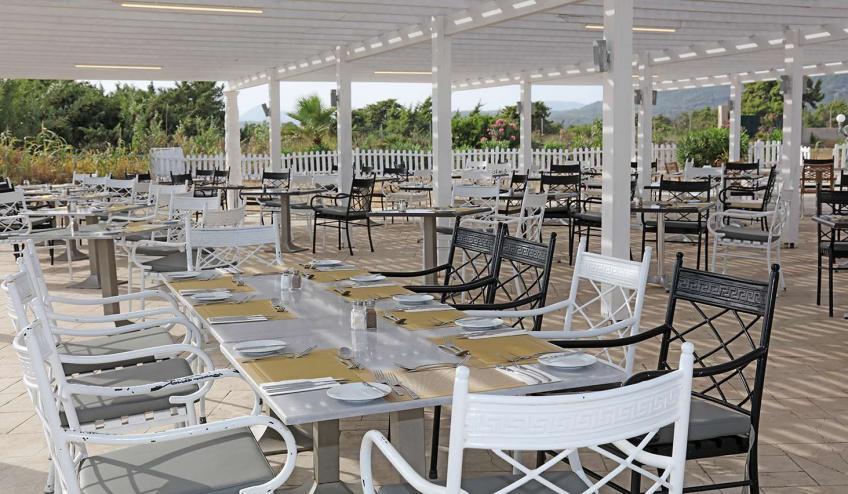GRCAQUISSB AGGE Sandy Beach Greek Specialty restaurant