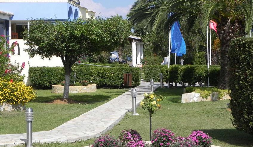 GRCALBATRO MORI Albatros Front Garden