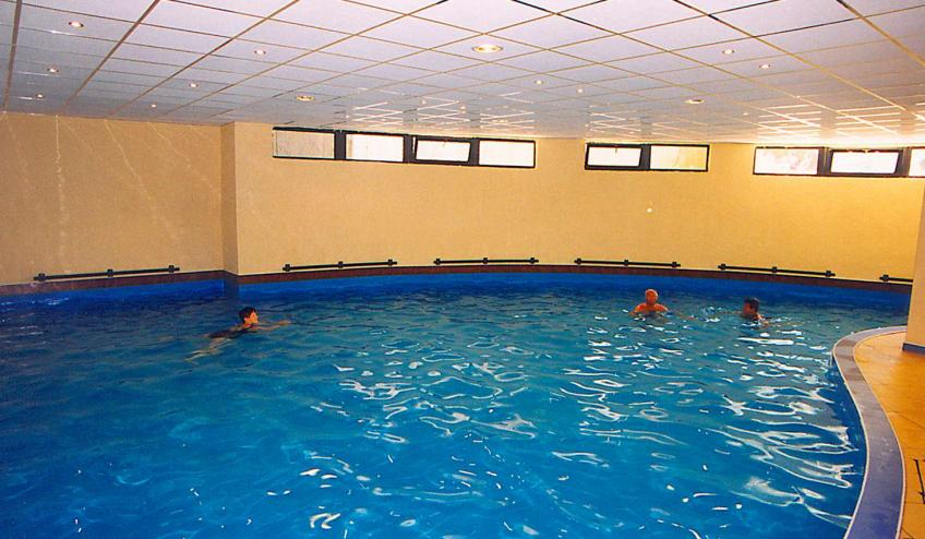 BGVKALIAKR GLSN indoor pool