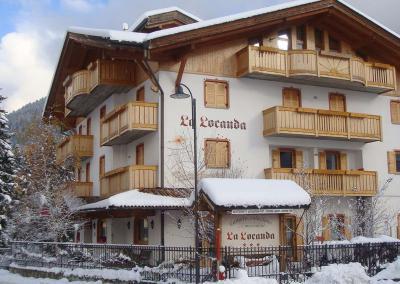 ITBHRLALOC PINZ TOP 824 08 LaLocanda Giustino Facciata Inverno